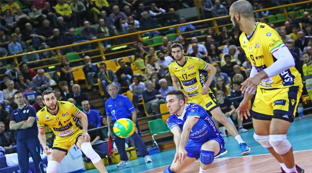 Azimut Modena 6'lı Finallerde