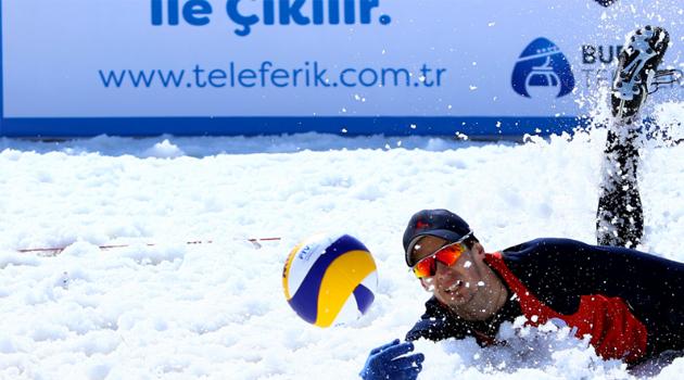 2017 CEV Kar Voleybolu Avrupa Turu Uludağ Etabı'nda İlk Gün Sona Erdi