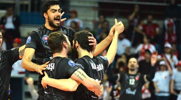 Efeler Ligi'nde Finalin Adı Arkas-Halkbank