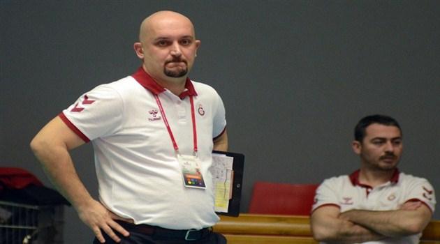 Ataman Güneyligil: Kendi Seyircimiz Önünde Şampiyon Olacağız