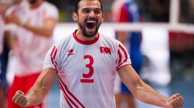 Arslan Ekşi, Lokomotiv Novosibrisk'de!