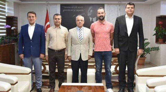 Salihli Belediyespor, Bora Şensoy ile sözleşme yeniledi