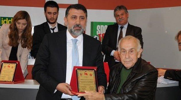 Süleymanoğlu: 'Ödülü rahmetli babama atfediyorum'