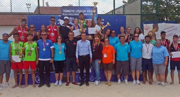 Gençler Plaj Voleybolu Şampiyonası Sona Erdi